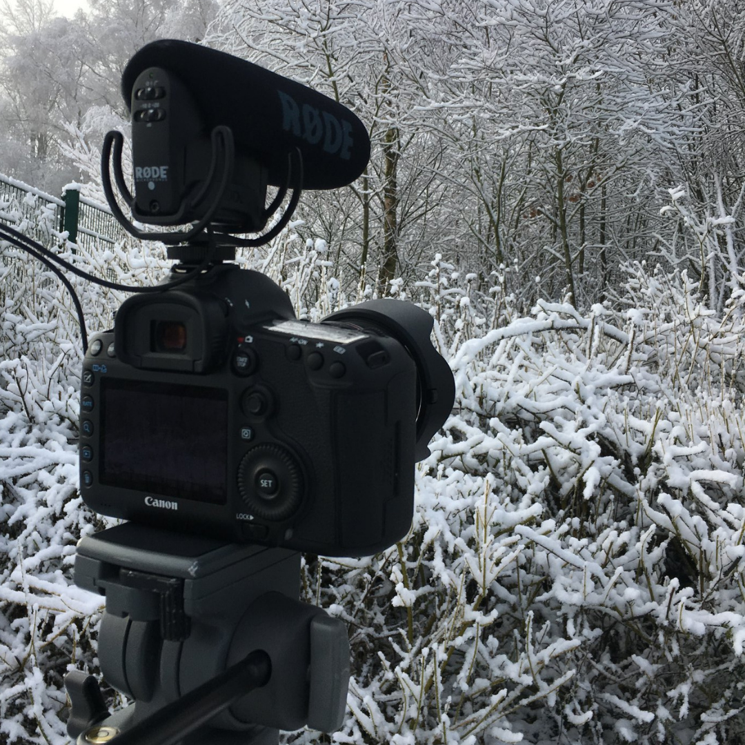 filming-in-the-snow-videohq